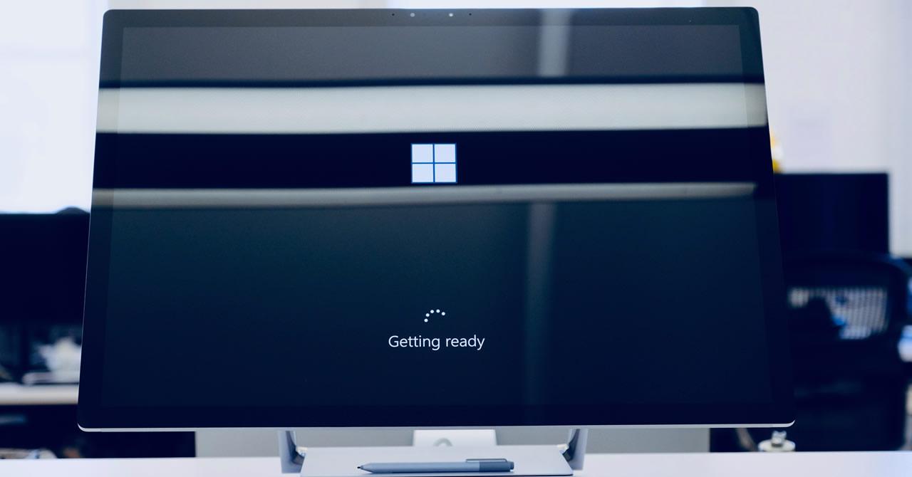 Microsoft Surface 法人向け認定販売店 D-VAR に認定されました
